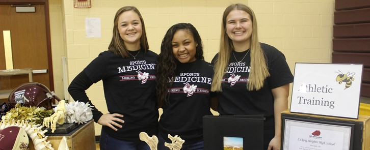 LHHS student athletic trainers